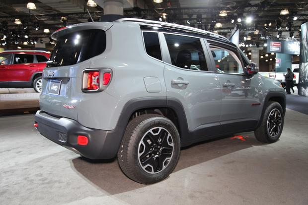 2015 Jeep Renegade: New York Auto Show featured image large thumb3