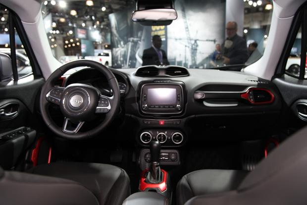 2015 Jeep Renegade: New York Auto Show featured image large thumb8