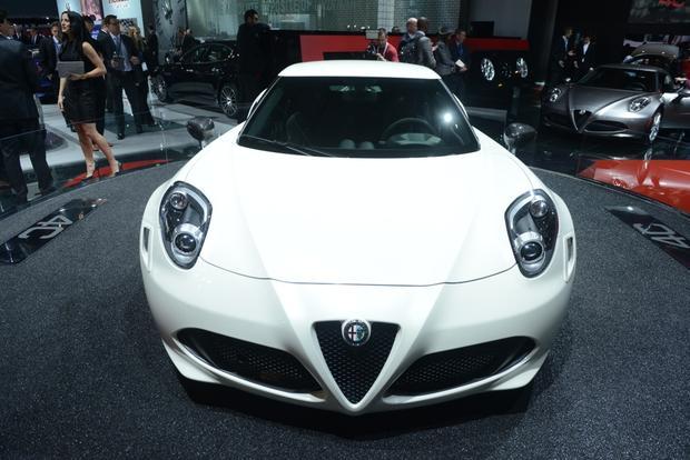 2015 Alfa Romeo 4C Coupe: New York Auto Show featured image large thumb0