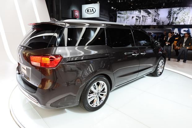 2015 Kia Sedona: New York Auto Show featured image large thumb5