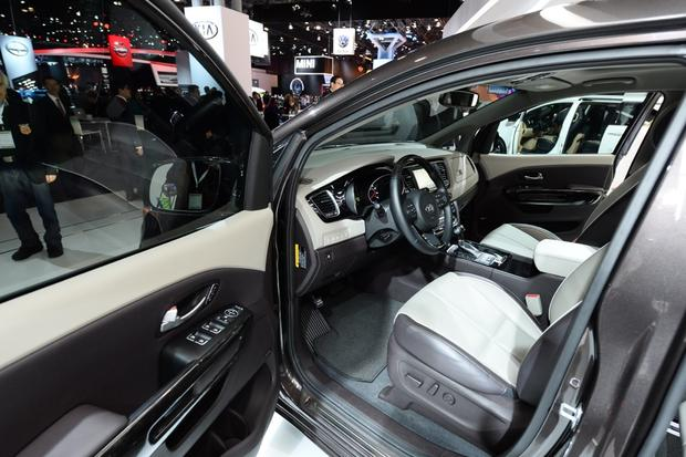 2015 Kia Sedona: New York Auto Show featured image large thumb9