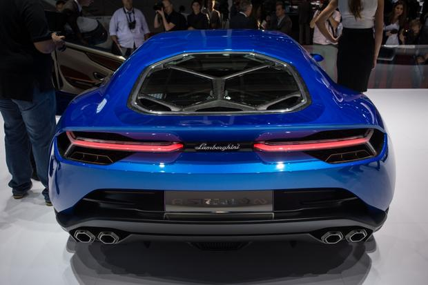 Lamborghini Asterion LPI 910-4: Paris Auto Show featured image large thumb0