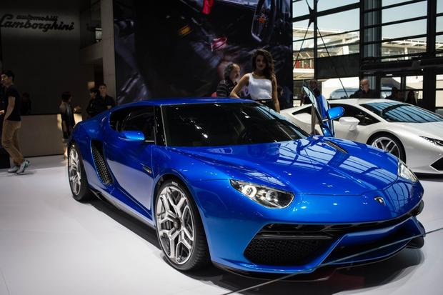 Lamborghini Asterion LPI 910-4: Paris Auto Show featured image large thumb2
