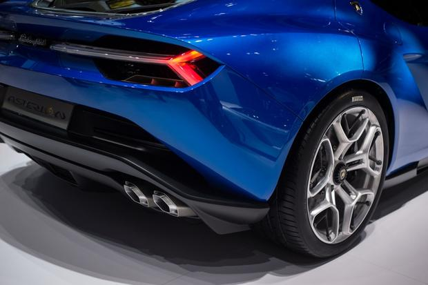 Lamborghini Asterion LPI 910-4: Paris Auto Show featured image large thumb5