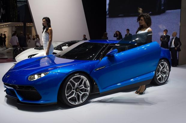 Lamborghini Asterion LPI 910-4: Paris Auto Show featured image large thumb7