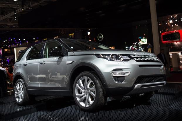 2015 Land Rover Discovery Sport: Paris Auto Show
