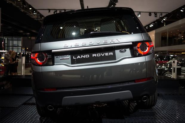 2015 Land Rover Discovery Sport: Paris Auto Show featured image large thumb4