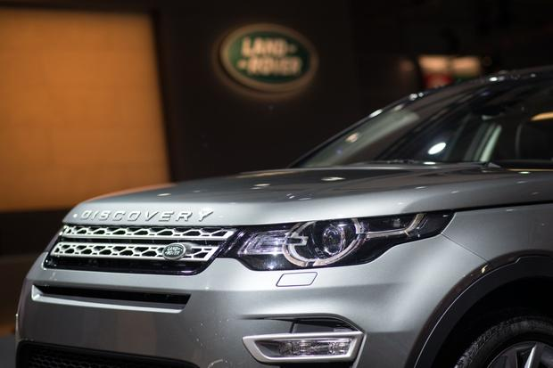 2015 Land Rover Discovery Sport: Paris Auto Show featured image large thumb6