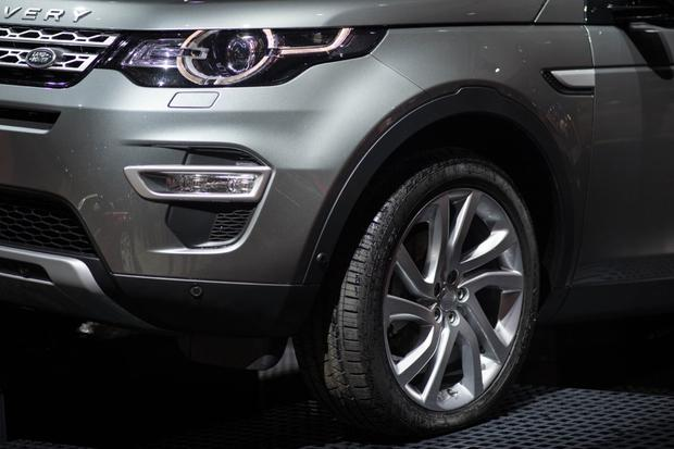 2015 Land Rover Discovery Sport: Paris Auto Show featured image large thumb7