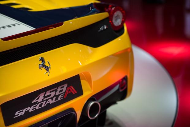 Ferrari 458 Speciale A: Paris Auto Show
