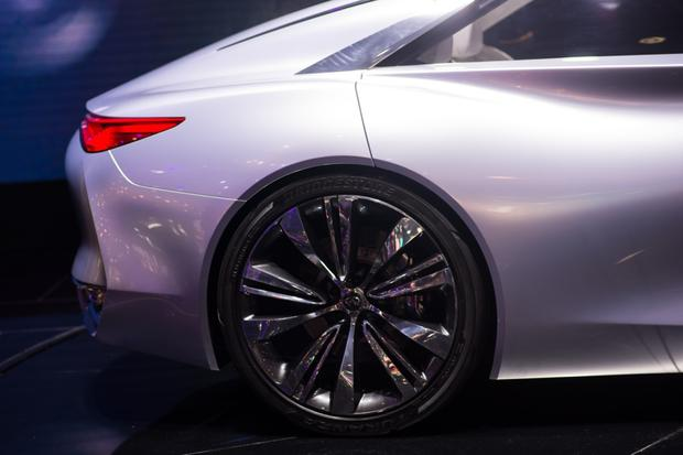 Infiniti Q80 Inspiration Concept: Paris Auto Show featured image large thumb10