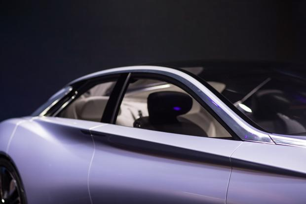 Infiniti Q80 Inspiration Concept: Paris Auto Show featured image large thumb11