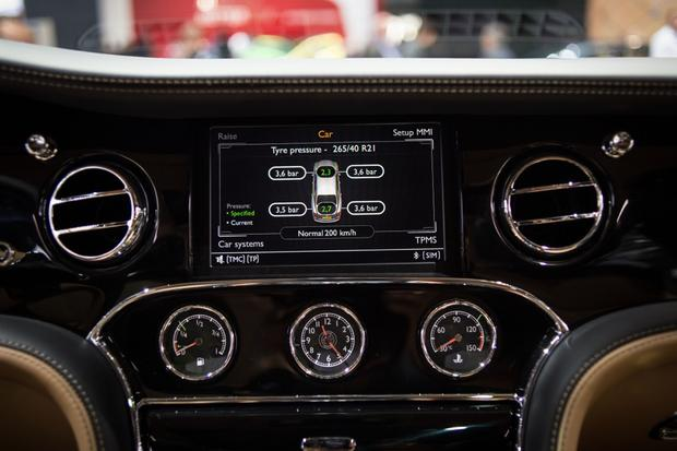 2015 Bentley Mulsanne Speed: Paris Auto Show featured image large thumb9