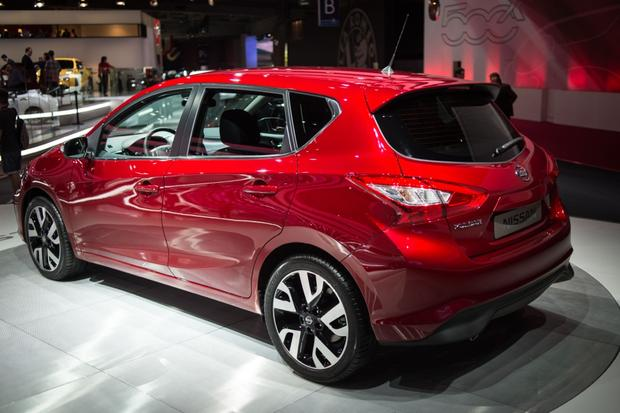 2015 Nissan Pulsar: Paris Auto Show featured image large thumb3