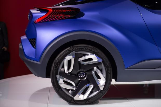 Toyota C-HR Concept: Paris Auto Show featured image large thumb4
