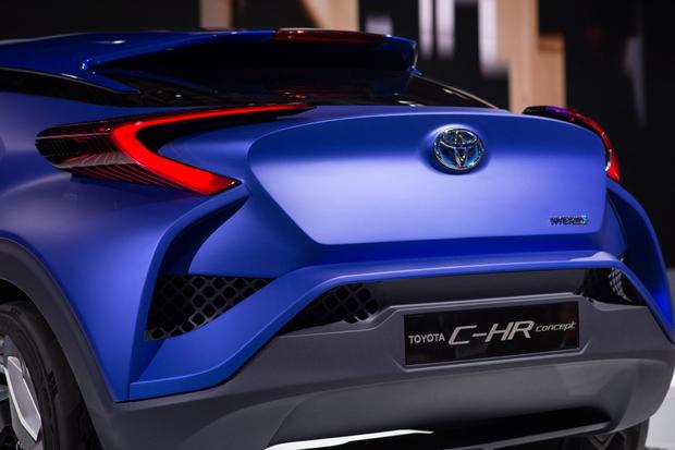 Toyota C-HR Concept: Paris Auto Show featured image large thumb6