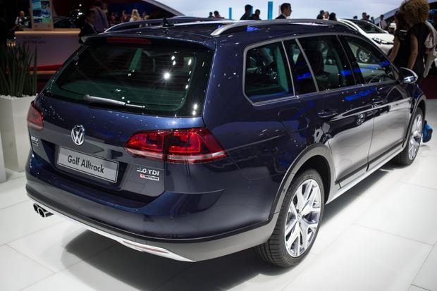 volkswagen golf alltrack paris auto show autotrader com. Black Bedroom Furniture Sets. Home Design Ideas