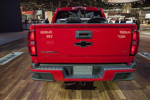 2015 Chevrolet Colorado GearOn Edition: Chicago Auto Show featured image large thumb1
