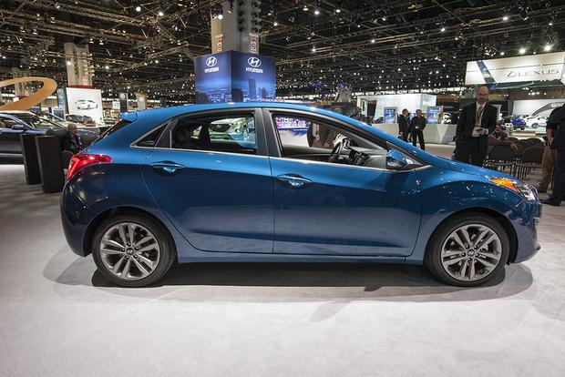 2016 Hyundai Elantra GT: Chicago Auto Show featured image large thumb3
