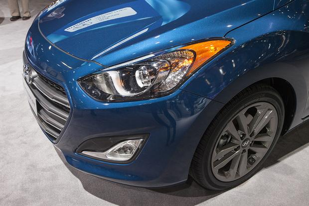 2016 Hyundai Elantra GT: Chicago Auto Show featured image large thumb4