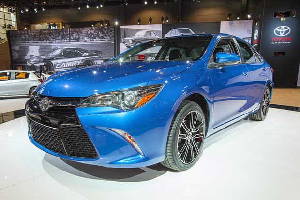 2016 Toyota Camry Special Edition: Chicago Auto Show featured image large thumb0