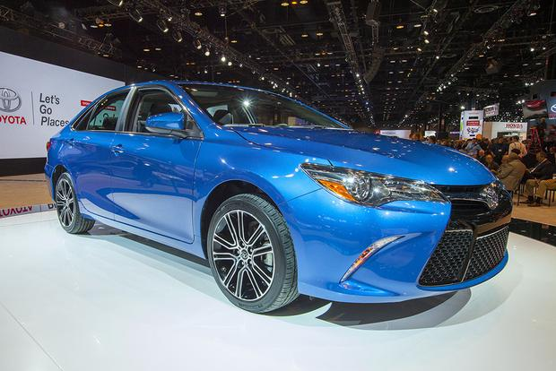 2016 Toyota Camry Special Edition: Chicago Auto Show featured image large thumb2