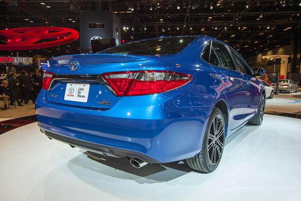2016 toyota camry special edition chicago auto show autotrader. Black Bedroom Furniture Sets. Home Design Ideas