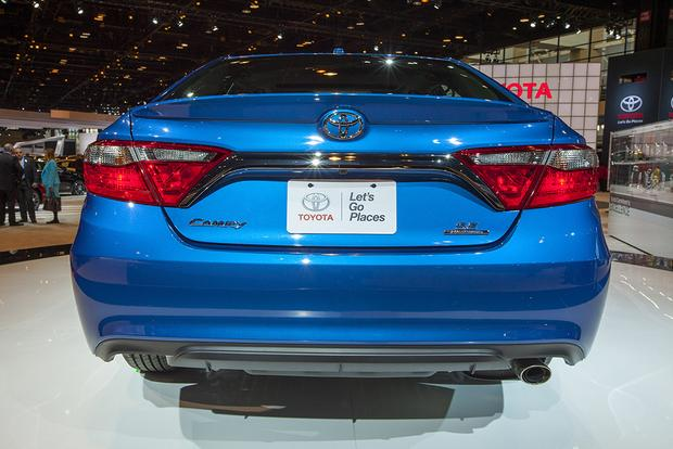 2016 Toyota Camry Special Edition: Chicago Auto Show featured image large thumb5