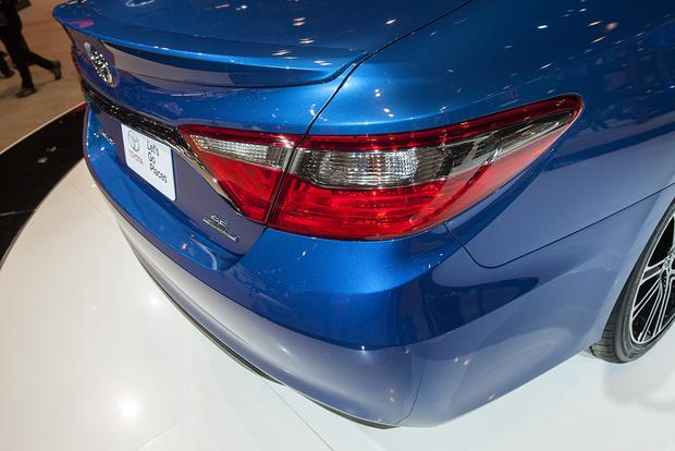 2016 Toyota Camry Special Edition: Chicago Auto Show featured image large thumb10