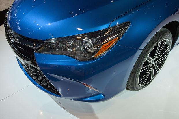 2016 Toyota Camry Special Edition: Chicago Auto Show featured image large thumb9