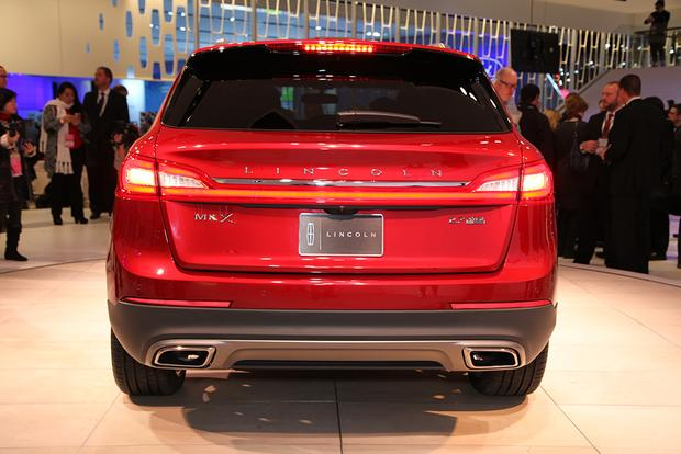 2016 Lincoln MKX: Detroit Auto Show featured image large thumb5