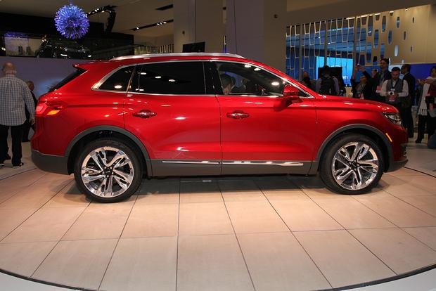 2016 Lincoln MKX: Detroit Auto Show featured image large thumb7