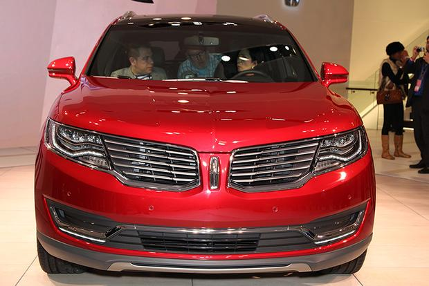 2016 Lincoln MKX: Detroit Auto Show featured image large thumb8