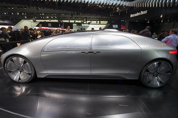 Mercedes-Benz F 015 Luxury in Motion Concept: Detroit Auto Show featured image large thumb1