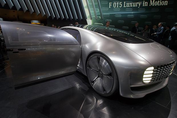 Mercedes-Benz F 015 Luxury in Motion Concept: Detroit Auto Show featured image large thumb5