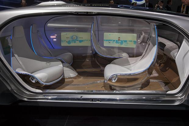 Mercedes-Benz F 015 Luxury in Motion Concept: Detroit Auto Show featured image large thumb6
