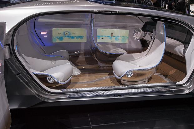 Mercedes-Benz F 015 Luxury in Motion Concept: Detroit Auto Show featured image large thumb7