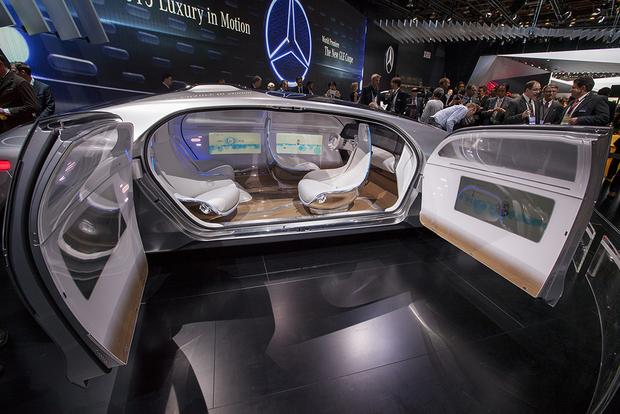 Mercedes-Benz F 015 Luxury in Motion Concept: Detroit Auto Show featured image large thumb8