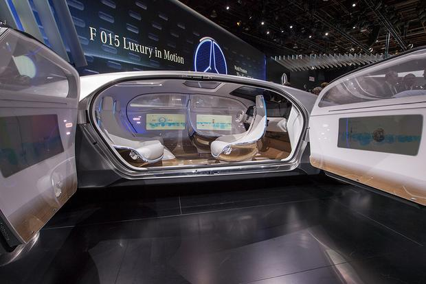 Mercedes-Benz F 015 Luxury in Motion Concept: Detroit Auto Show featured image large thumb9