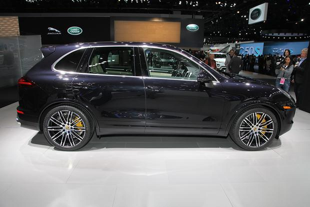 2016 Porsche Cayenne Turbo S: Detroit Auto Show featured image large thumb0