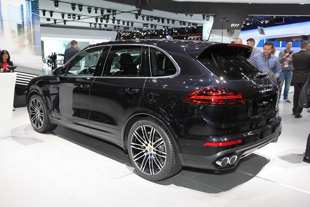 2016 Porsche Cayenne Turbo S: Detroit Auto Show featured image large thumb7