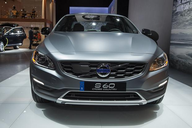 2016 Volvo S60 Cross Country: Detroit Auto Show featured image large thumb2