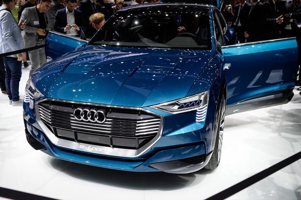 Audi e-tron quattro Concept: Frankfurt Auto Show