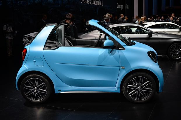 smart fortwo cabriolet: Frankfurt Auto Show featured image large thumb2