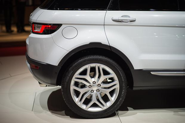 2016 Land Rover Range Rover Evoque: Geneva Auto Show featured image large thumb6
