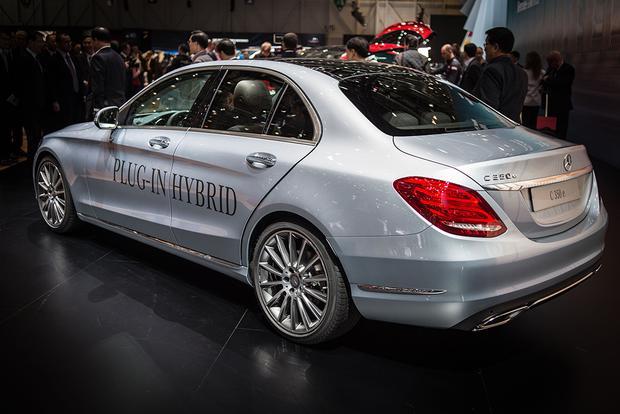 2016 mercedes benz c350 plug in hybrid geneva auto show for Mercedes benz hybrid uk