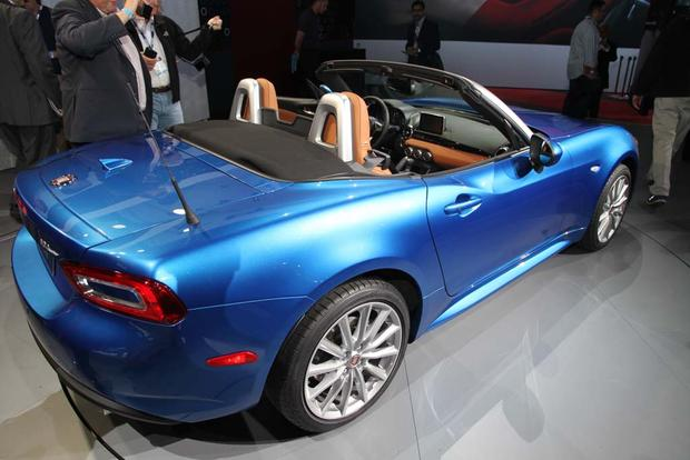 2017 FIAT 124 Spider: LA Auto Show featured image large thumb7