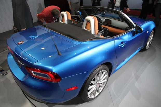 2017 FIAT 124 Spider: LA Auto Show featured image large thumb8