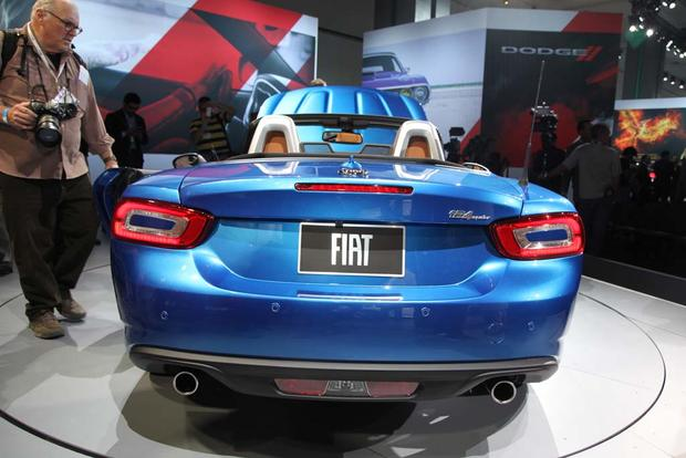 2017 FIAT 124 Spider: LA Auto Show featured image large thumb10