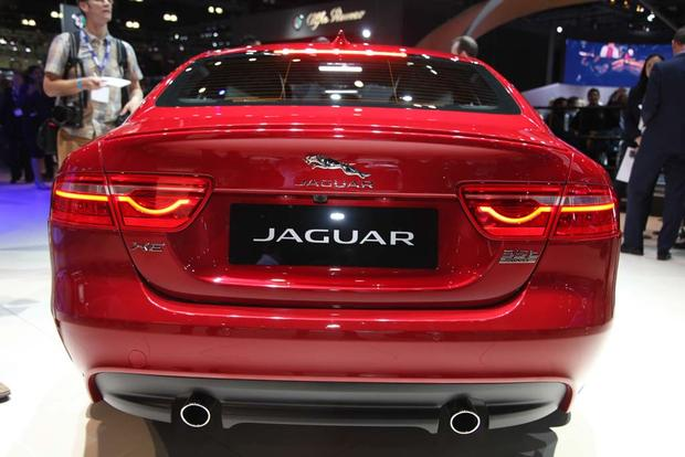 2017 Jaguar F-PACE and XE: LA Auto Show featured image large thumb8